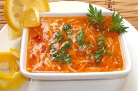 Domatesli salçalı tel şehriye çorbası nasıl yapılır?