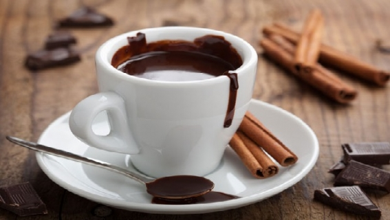 Evde klasik sıcak çikolata nasıl yapılır?