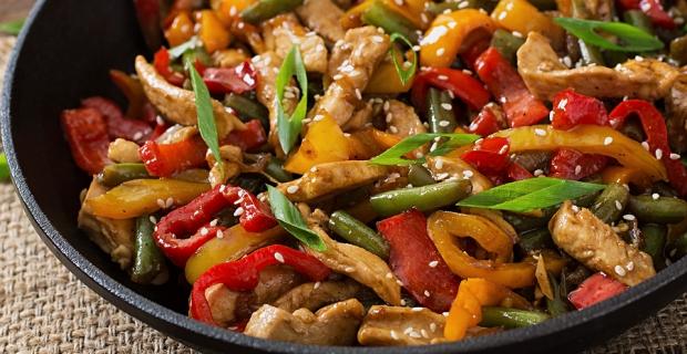 Günü kurtaran lezzet: Sebzeli tavuk sote