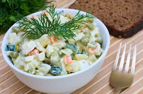 Lezzetli ve hafif bir salata: Amerikan salatası tarifi