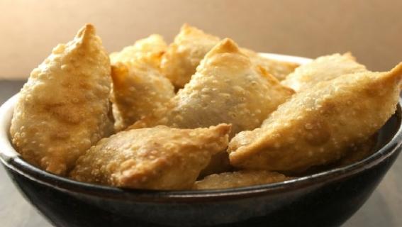 Peynirli çıtır çıtır puf böreğine sofranızda yer açın