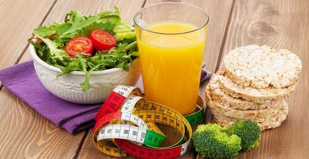 Çalışırken düzenli, yeterli ve dengeli beslenmeliyiz!