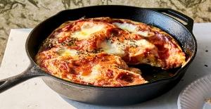 Çok pratik : Tavada lezzetli ve hafif pizza tarifi