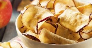Ara öğün için ideal şekersiz tarif: Elma cipsi