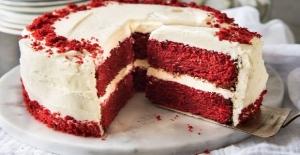 Sevgililer Günü'nde 'Seni Seviyorum' demenin yolu: Kırmızı kadife pasta