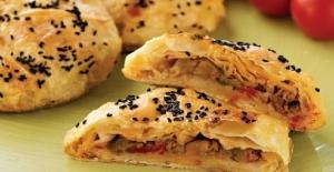 Kıymalı patlıcanlı cevizli börek tarifi, nasıl yapılır?