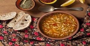 Arpa şehriyeli mercimekli çorba nasıl yapılır?