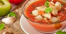 Soğuk domates çorbası nasıl yapılır?